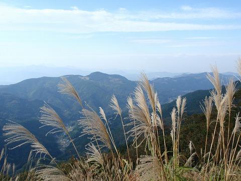 211020-41 堂平山からの秩父連山.jpg