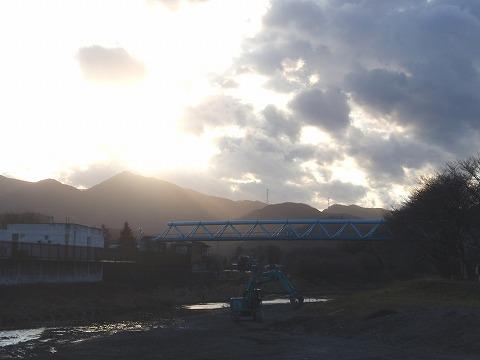 220121-152 小川町槻川堤防.jpg